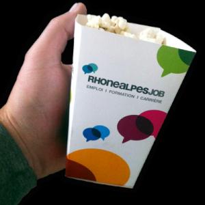 Petite boîte pour popcorn personnalisée en carton. RegionsJob